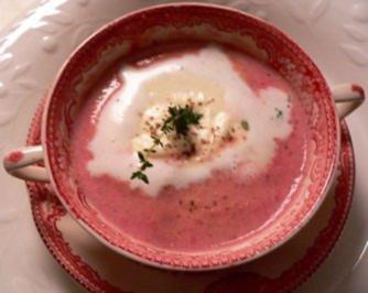 Rotebete Capuccino mit Meerretich Haube - Rezept