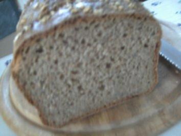 Dinkel-Vollkorn-Brot mit Leisamen   Eigenkreation - Rezept
