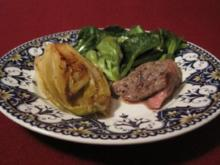 Feldsalatnest mit Lammrücken und karamellisiertem Chicoree - Rezept