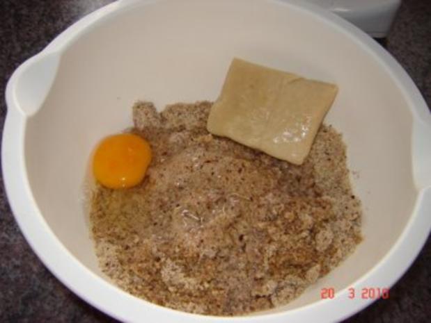 Kuchen + Torten : Hefekranz mit Nuß-Amaretto-Füllung - Rezept - Bild Nr. 3
