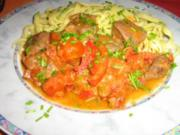 Paprika-Gulasch mit Tomätchen an Tagliatelle - Rezept
