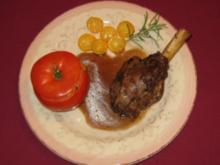 Lammkeule mit Gartenkräutern und Gemüserisotto - Rezept