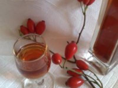 Hagebuttenlikör - Rezept