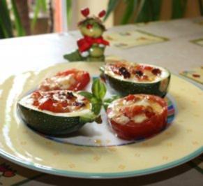 Rezept: Gefüllte Zucchini mit eingelegtem Feta und Tomaten