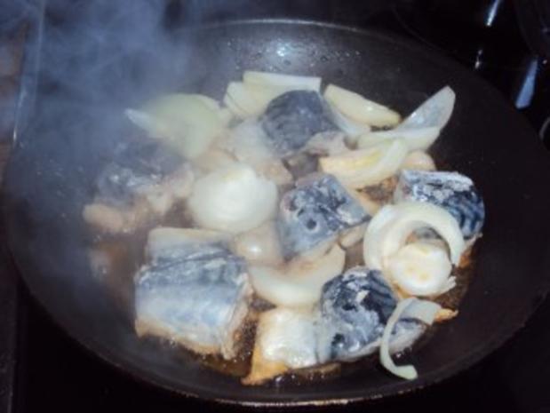 Makrele gebraten mit Zwiebeln - Rezept - Bild Nr. 3