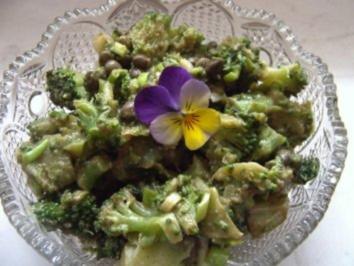 Broccolisalat mit Kapern - Rezept