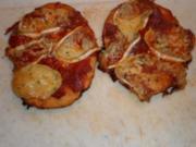 Aus dem Backofen - kleine Pizza für den großen Sohn - Rezept