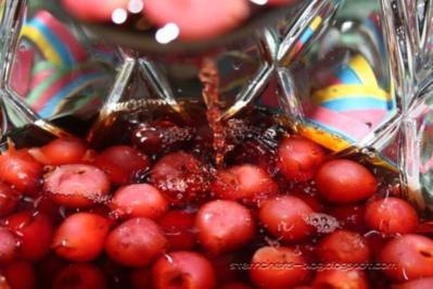 Rezept: Kirsch-Amaretto-Bowle