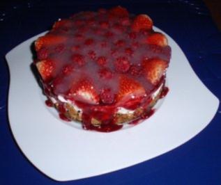 Erdbeer-Früchte-Sahne-Torte - Rezept