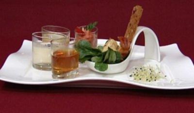 Suppen-Trilogie, dazu Feldsalat, Mousse aus Strauchtomaten und Black Tiger Prawns (Gracia Baur) - Rezept