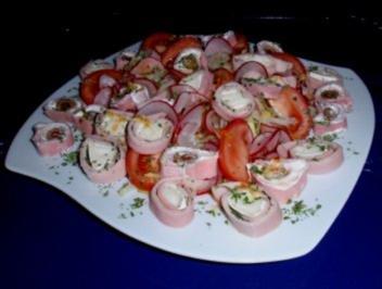 Abend-Feinschmecker-Salat mit gefüllten Schinkenröllchen - Rezept