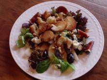 """""""Süsser Salat"""" mit Feige, Birne, Traube und Roquefort - Rezept"""
