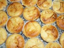 Käsekuchenmuffins mit eingelegten Rumbirnen - Rezept