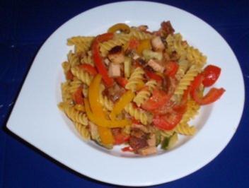 Maisnudel-Gemüse-Leberkäs-Pfanne - Rezept