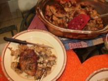 Kotlett mit Pilze Brot Pudding - Der Saft vom gebrateten Fleisch macht den Brotpudding lecker mit einen Burgundy Wein - Rezept