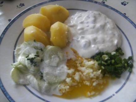 Frühlings-Quark mil Leinöl  Gurkensalat - Rezept