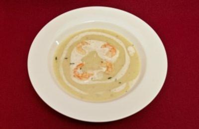 Feine Kartoffelsuppe mit Garnelen (Miranda Leonhardt) - Rezept
