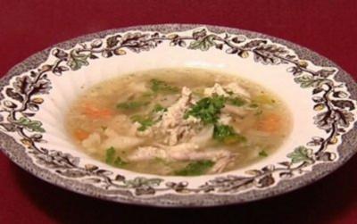 Hühnerkraftbrühe mit Einlage (Johanna Jacob) - Rezept