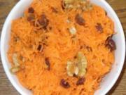 Salat - Möhrensalat mit Rosinen und Walnüssen - Rezept