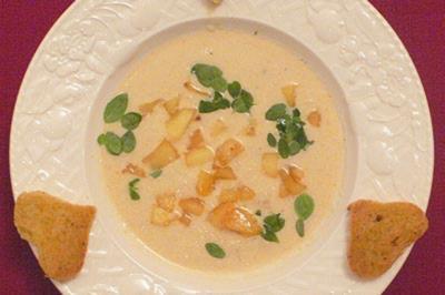Sellerie-Prosecco-Suppe mit herzlichen Knabbereien - Rezept