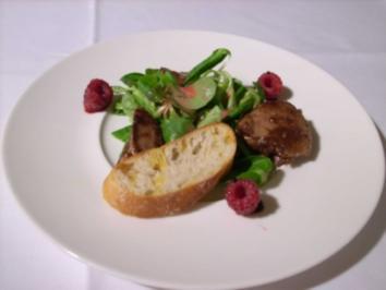 Gebratene Entenleber in Portweinsoße an Feldsalat mit Himbeervinaigrette - Rezept