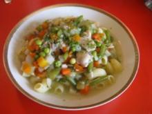 Hühner-Nudel-Gemüsetopf - Rezept