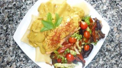 Rezept: Lachs an Schiaffoni mit Mu-Err-Gemüse an Kokos-Currysauce
