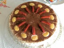 Erdbeer - Mascarpone - Torte mit Eierlikör - Rezept
