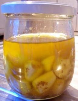 Gewürz: Eingelegter Knoblauch in Olivenöl - Rezept