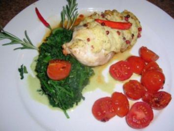 Hähnchenbrust unter der Kartoffel-Pfefferhaube an frischem Blattspinat +geschmorten Tomate - Rezept