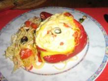 Gefüllte Paprika mit Saghettini und Oliven - Rezept