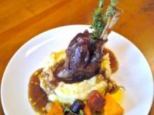 Lammhaxe mit Thymian- Honig- Sauce, gebackenem Gemüse und Wasabi-Kartoffelpüree - Rezept - Bild Nr. 2