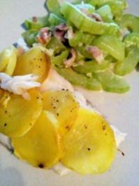 Viktoriabarschfilet mit Kartoffelschuppenkruste und Schmorgurken - Rezept
