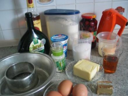 Süßspeisen + Desserts: Rum - Savarin - Rezept