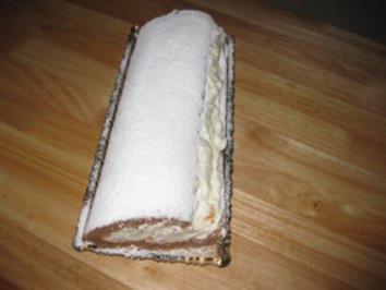 Schoko-Aprikosen-Sahnerolle - Rezept