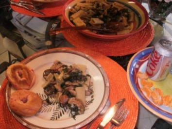 Pasta: Farmers Rigatoni Style - Pasta mir Spinat, Bohnen und Bacon -Bratwurst - Rezept