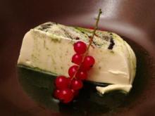 Panna cotta mit Basilikumsauce - Rezept