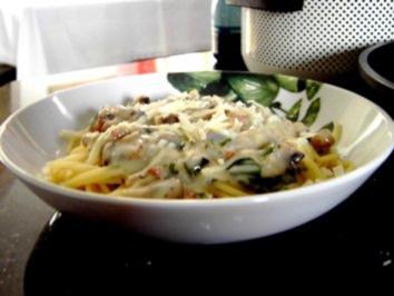 Spaghetti an Frischkäse-Bärlauchsoße - Rezept