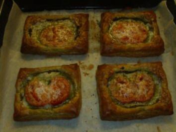 Pikante Kuchen: Blätterteig mit Tomaten und Ziegenkäse - Rezept