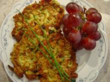 Zucchini-Rösties mit Schinkenwürfeln - Rezept