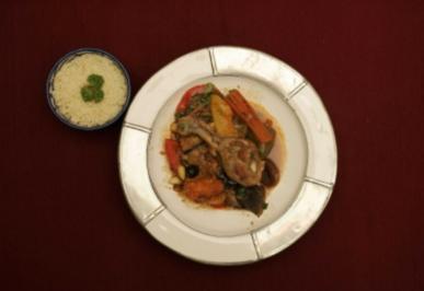 Chicken Tajine mit Couscous (Gitta Saxx) - Rezept