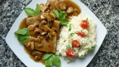 Grappa-Honig-Schweinebraten mit Steinpilz-Schalottensauce und Rucolareis - Rezept