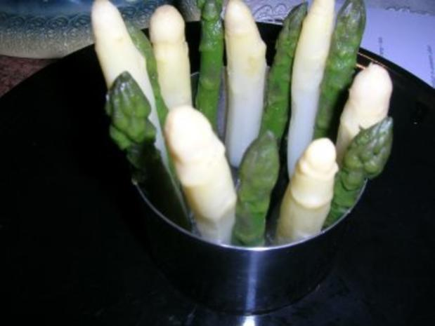 Chartreuse vom grünen und weißen Spargel mit Garnelen - eine tolle Vorspeise - - Rezept - Bild Nr. 4