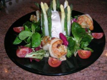 Chartreuse vom grünen und weißen Spargel mit Garnelen - eine tolle Vorspeise - - Rezept
