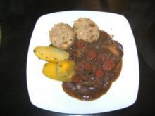Rindsschitzel in Karotten-Zwiebel-Sauce - Rezept