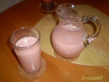 Buttermilch Shake mit Erdbeeren - Rezept