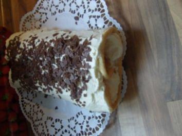 Biskuitrolle mit Vanillebuttercreme - Rezept