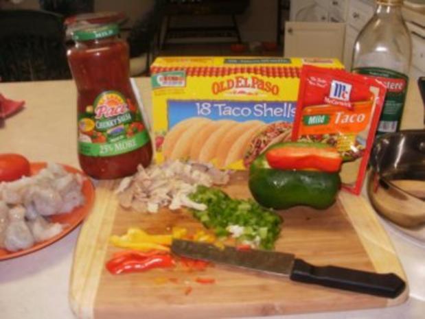Tacos - Sued West  Arizona Tacos mit Huehnerfleisch Streifen und Taco Gewuerz - Rezept - Bild Nr. 2