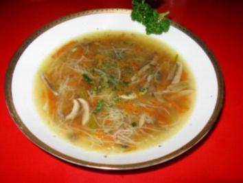 Entensuppe mit Gemüsejulienne - Rezept