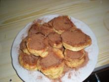 Süßspeise: Apfel-Nuss-Küchle - Rezept